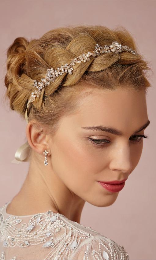 Diadema en forma de cinta con perlas y cristal, de Justin  Tayor para BHLDN. Tiara de novia de la