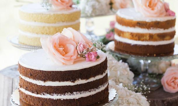 'Wedding cakes' llenos de flores, inspirados en la primavera