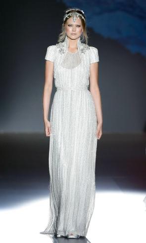 Las 'reinas de las nieves' de Jesús Peiró enamoran en Barcelona Bridal Week