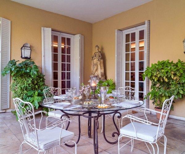 La nueva tendencia es celebrar la boda en casa - Jardines de casas particulares ...
