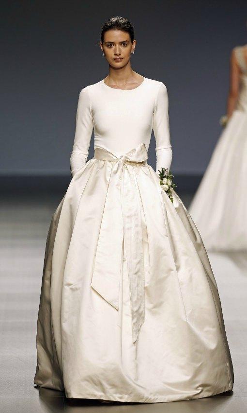 e3014eadc Tops' y faldas para novias... y también para invitadas - Foto