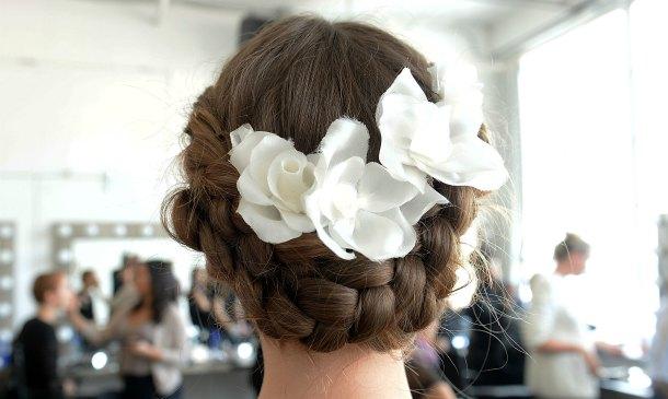 Inspiración: Los 'beauty looks', peinados y joyas que hemos visto en la New York Bridal Week