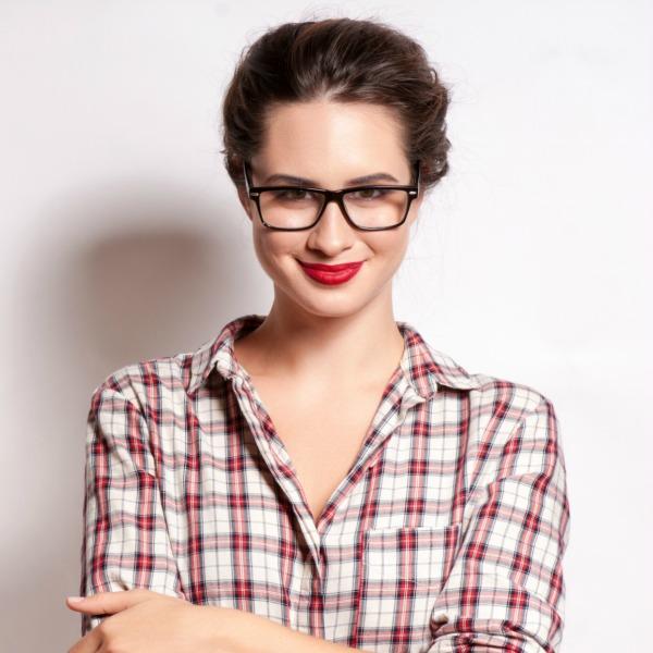 7eeea9ef88498 Maquillaje de 10 para novias con gafas