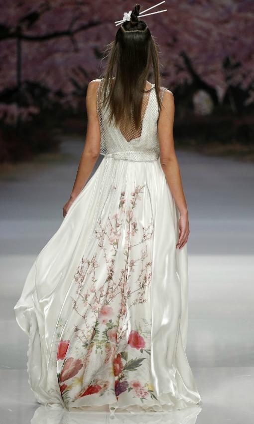 Vestidos de novia con un poco de color