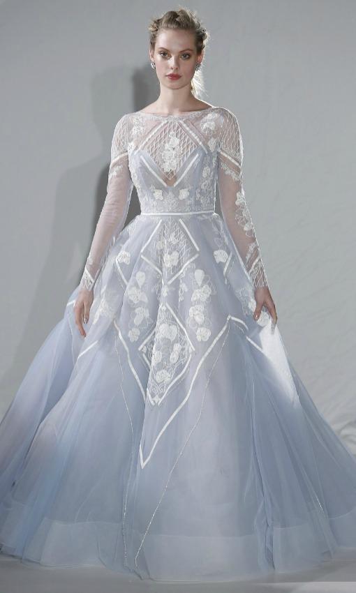 Vestido novia con flores azules
