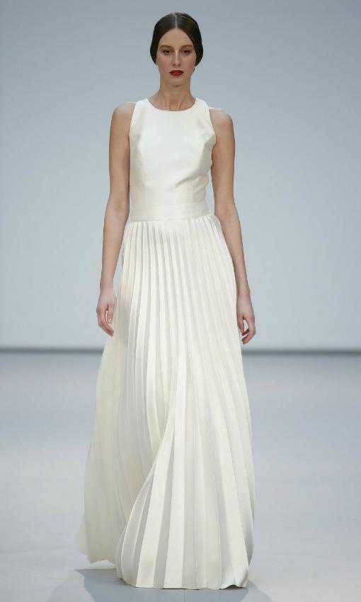 Vestido novia falda plisada