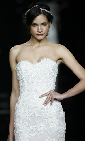 El vestido de novia de 'estilo lencero' pisará fuerte la próxima temporada