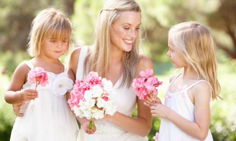 Consejos para 'sobrevivir' a una boda veraniega cuando eres la invitada
