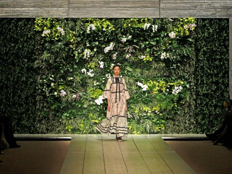 Inspiraci n te atreves con una pared de flores en tu Plantas para paredes verdes