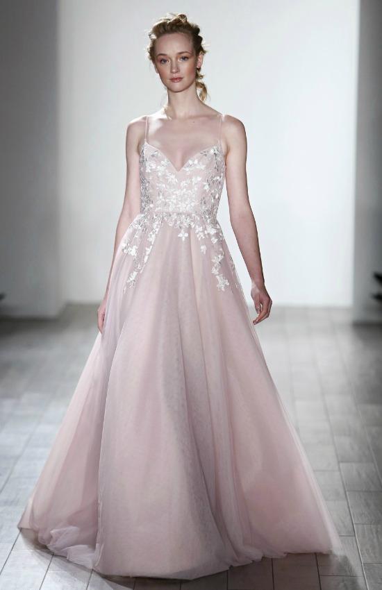 más fotos entrega rápida calidad confiable Los vestidos de novia más bonitos de la New York Bridal Week ...