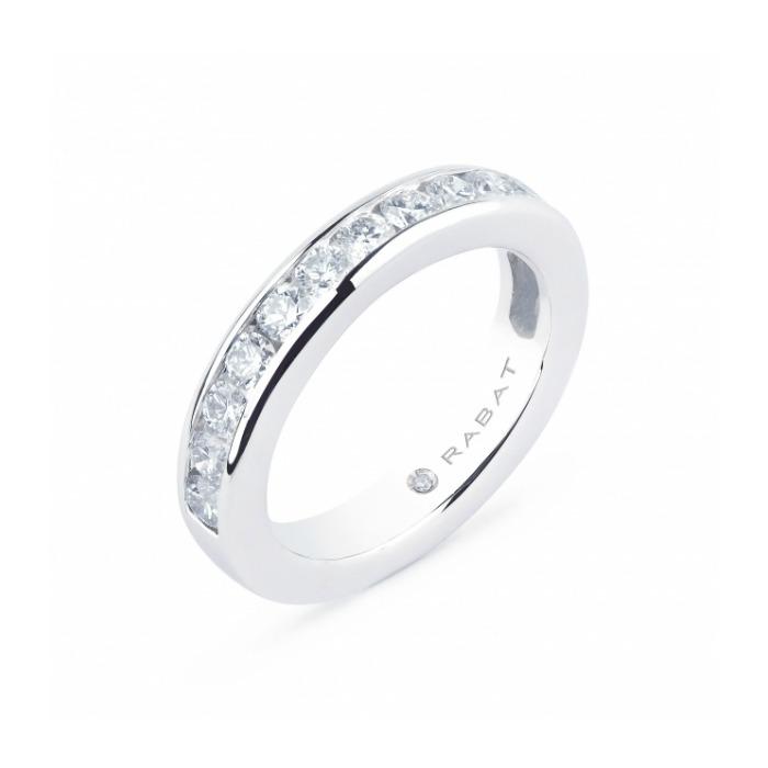 c864c4da1966 Las tendencias en anillos de compromiso que llevaremos en 2017 - Foto