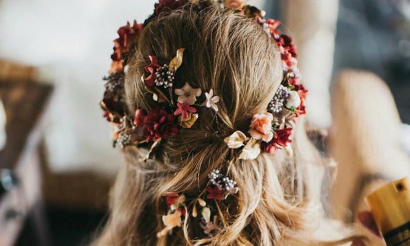 Tocados artesanales 'made in Spain' para las novias de 2017