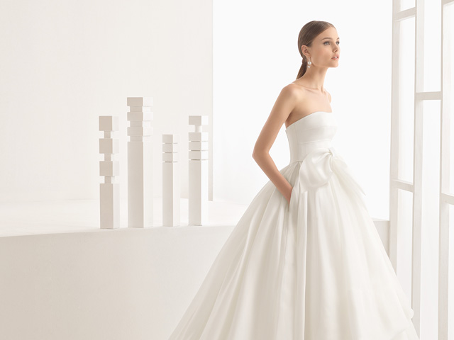 Precio medio vestido novia rosa clara