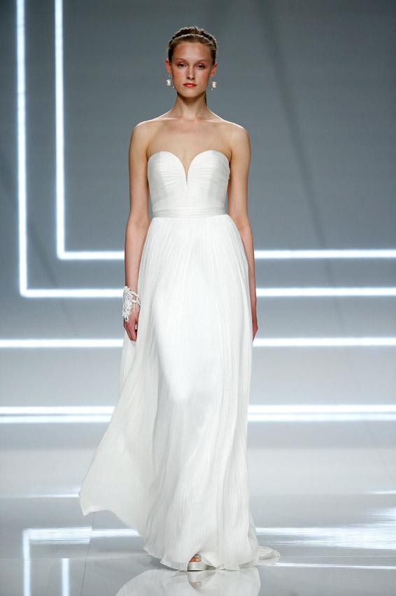 b47d1b1fc Vestidos de novia  10  Bridal looks  únicos para una boda por lo ...