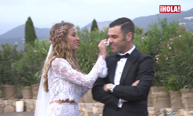 Exclusiva: Las lágrimas (y más lágrimas) de Fonsi Nieto en su boda con Marta Castro