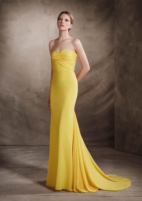 Sonar mujer vestido amarillo
