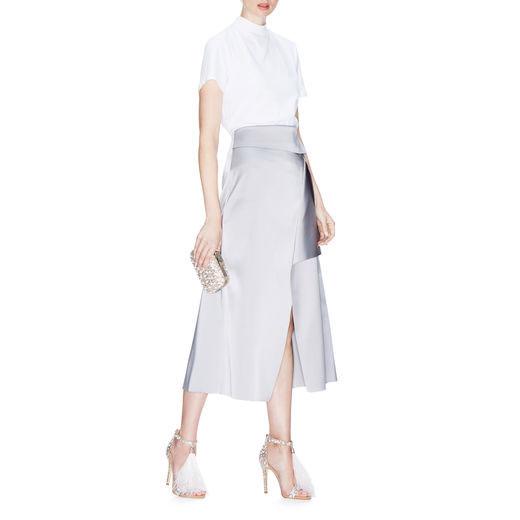 laura escanes: todos los detalles de sus dos impresionantes vestidos