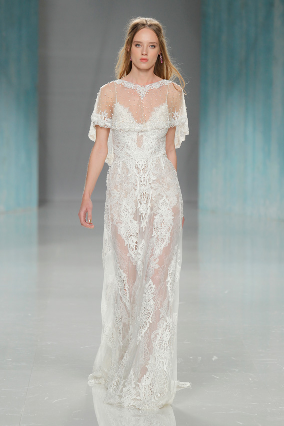 237764b7b8 ... vestidos de novia con capa 2018 ...