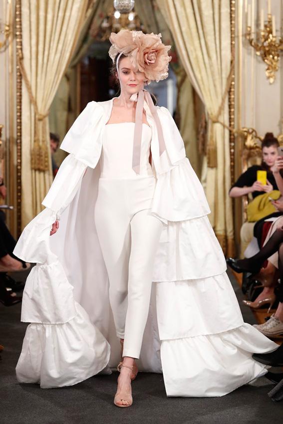 2d0341a9b1 ... 2018 · vestidos de novia con capa 2018.