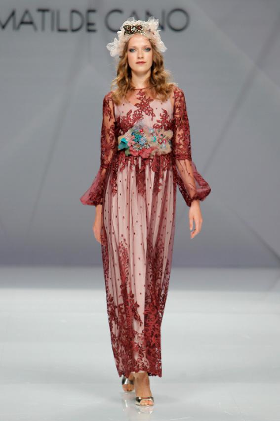 cf7fca313 Vestidos de pasarela largos - Elegante vestido de moda de España 2019