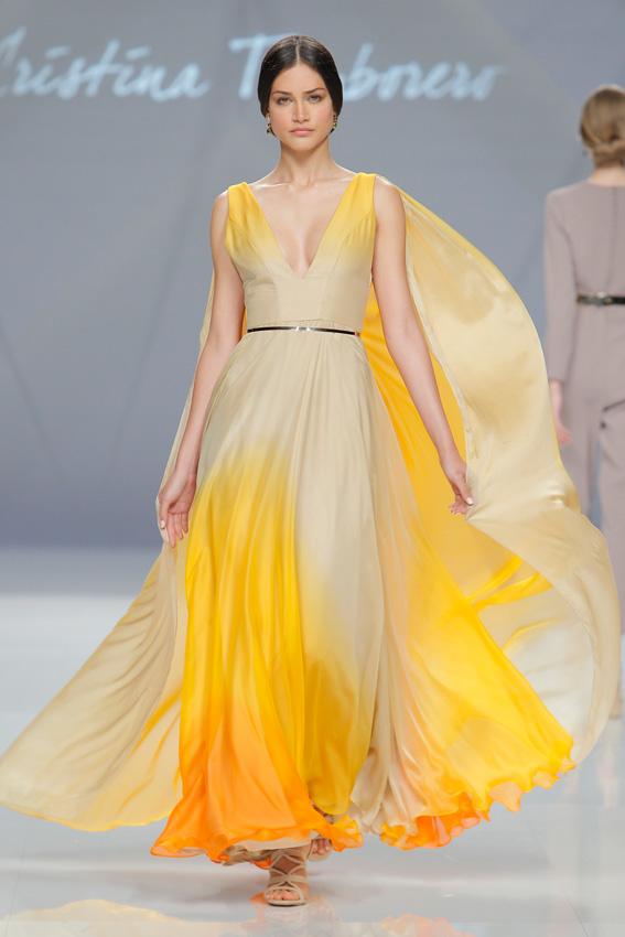 217ab65ec Doce vestidos de pasarela para una madrina espectacular - Foto