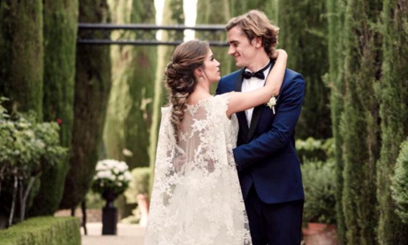 El futbolista Griezmann publica su primera foto de recién casado con la española Erika Choperena