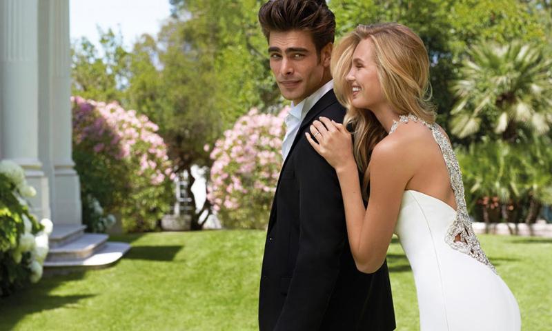 Diez vestidos de novia \'etéreos\' para una boda en pleno verano - Foto 1