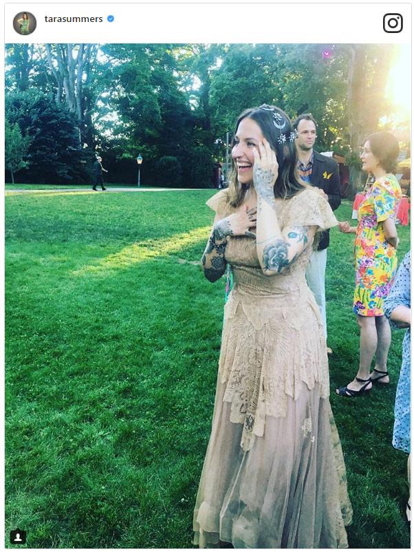 Penn Badgley ('Gossip Girl') y Domino Kirke se han casado... ¡por segunda vez!