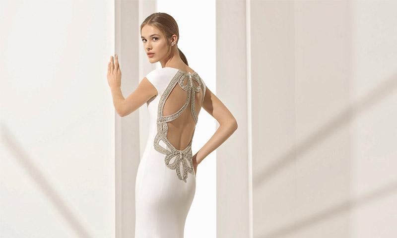 Presume de espalda con la colección de vestidos de novia para 2018 de Rosa Clará