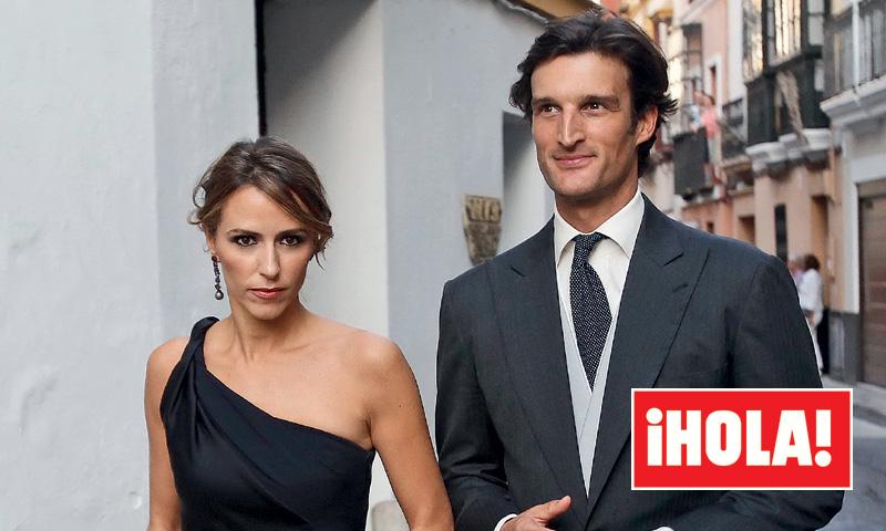En ¡HOLA!: Los duques de Feria, en la boda más 'chic' de Sevilla