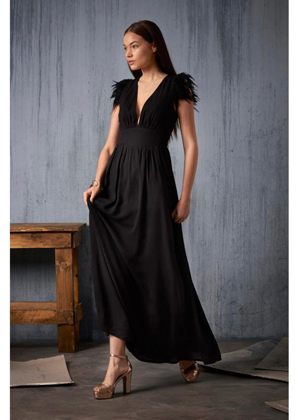 Vestido negro largo invitada
