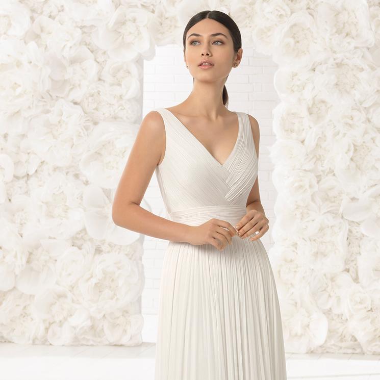 ab5773697 Ocho vestidos sencillos para novias minimalistas - Foto