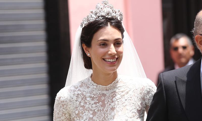 Todos los detalles del romántico vestido de novia de Alessandra de Osma