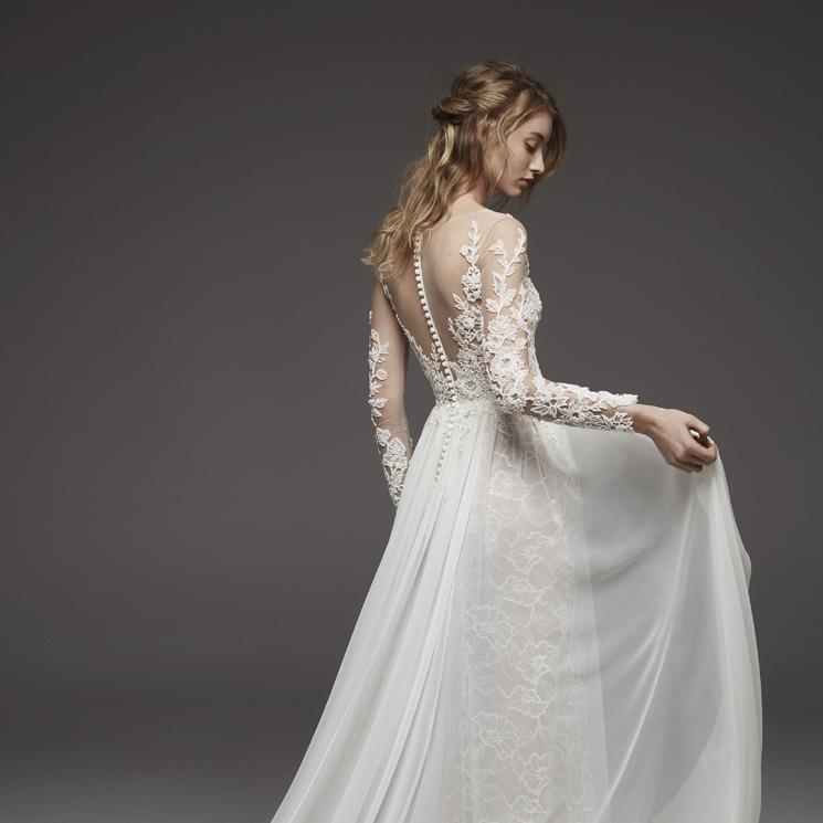 99a921899 Vestidos femeninos y sensuales en la colección  Atelier Pronovias 2019