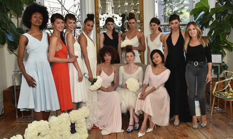 ¿Te gustaría tener un vestido de novia diseñado por Sarah Jessica Parker? Ya es posible