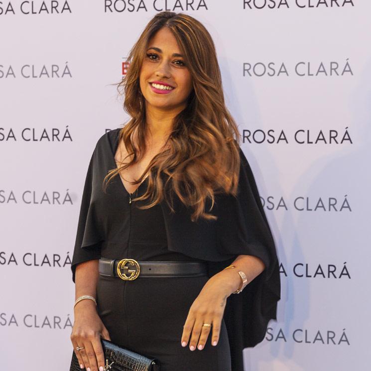 Antonella Roccuzzo, la invitada incondicional en el mediático 'front row' de Rosa Clará