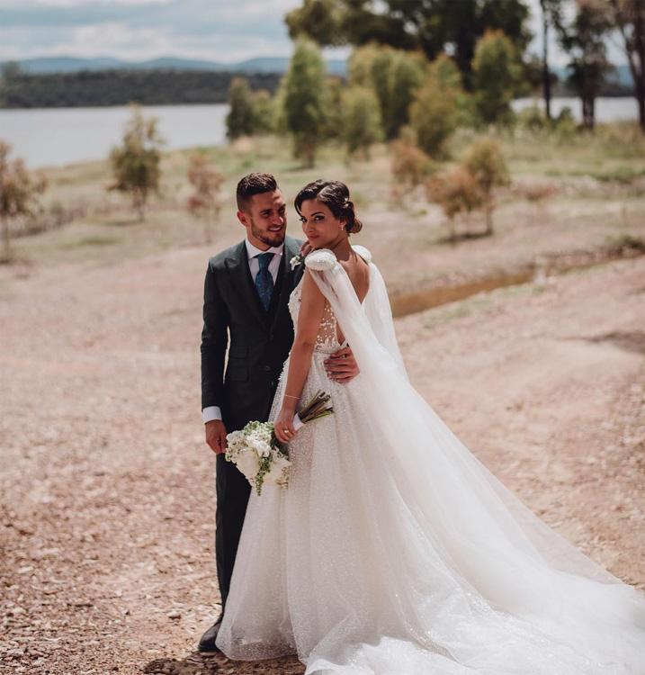beatriz espejel: su vestido de novia en su boda con koke
