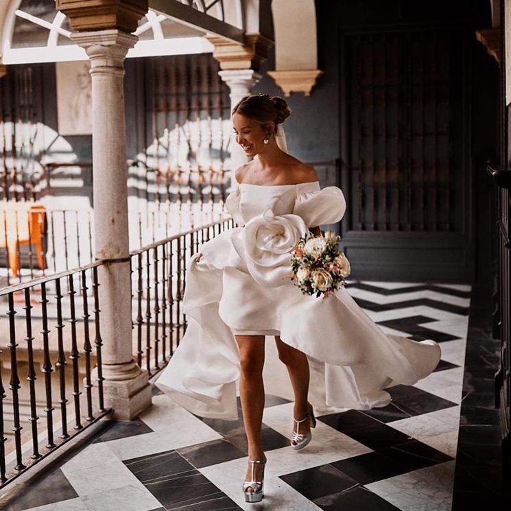 karolina jez y el vestido de novia inspirado en carrie bradshaw