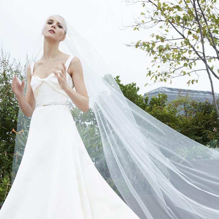 Cinturones, el complemento de las novias de otoño aprobado por Elie Saab