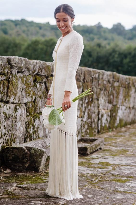 paloma, la novia que fusionó flecos y 'tweed' en un mismo vestido - foto