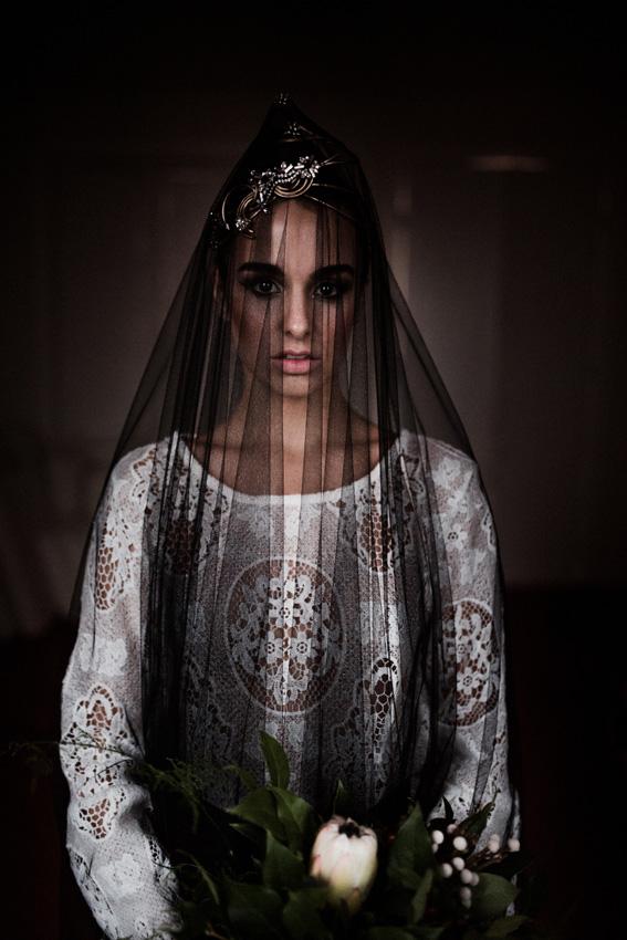 2e997072c6 La misteriosa novia del velo negro y otros diseños inusuales