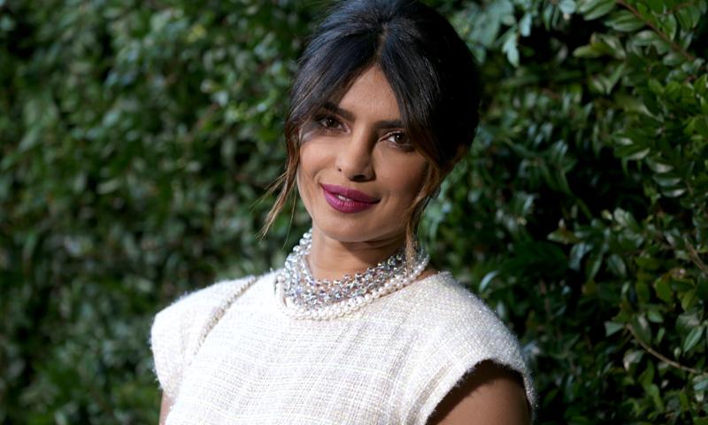 ¡Hagan sus apuestas! Los diseñadores indios que podrían vestir de novia a Priyanka Chopra