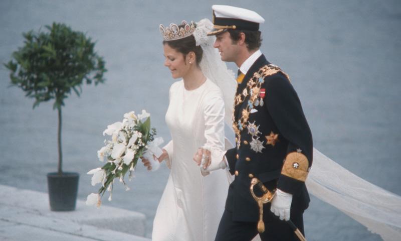 El enigma de los vestidos de novia de Carolina de Mónaco, Noor de Jordania y Silvia de Suecia