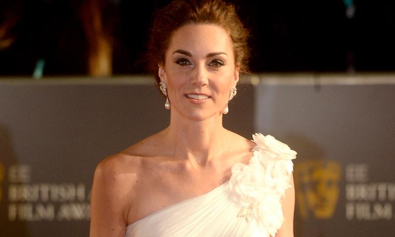 ¿Fan de Kate Middleton? Copia su estilo si te casas por lo civil