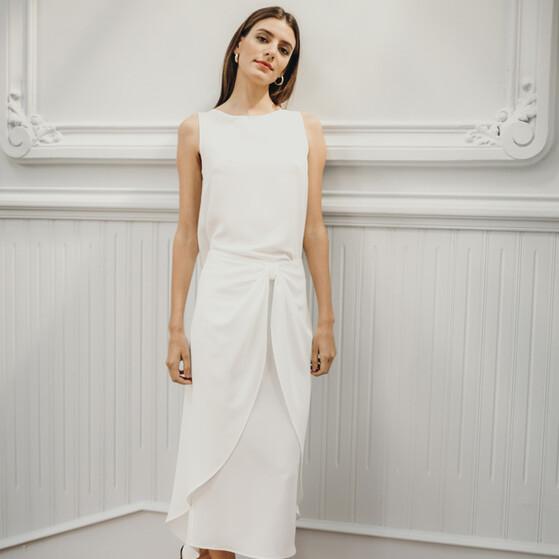 3a04dac8b5b4 Vestidos de novia con efecto pareo para mujeres con pocas curvas