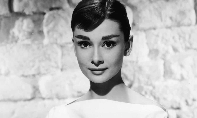 El vestido de novia que Audrey Hepburn nunca utilizó es pura inspiración