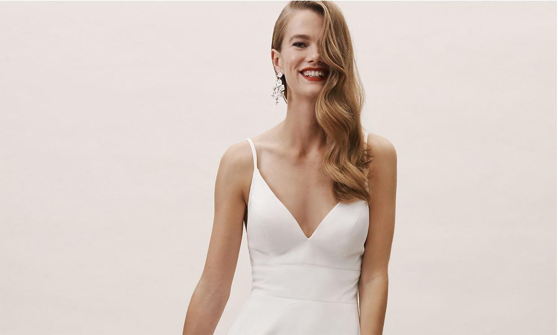 Pendientes, brazaletes y otras joyas que combinan mejor con vestidos de novia minimalistas