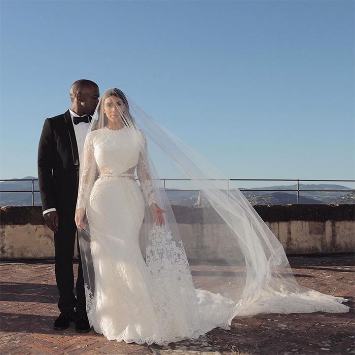 c8a2ec879 Hace cinco años que la empresaria se casó con Kanye West en el castillo  Forte Belvedere de Florencia. Una localización a la que la mayoría de los  asistentes ...
