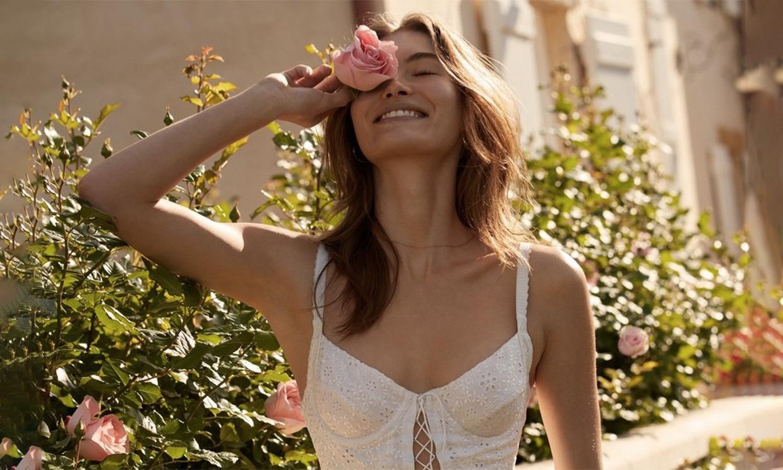 Sí, elegir bien la corsetería de la novia es fundamental para que el vestido siente genial