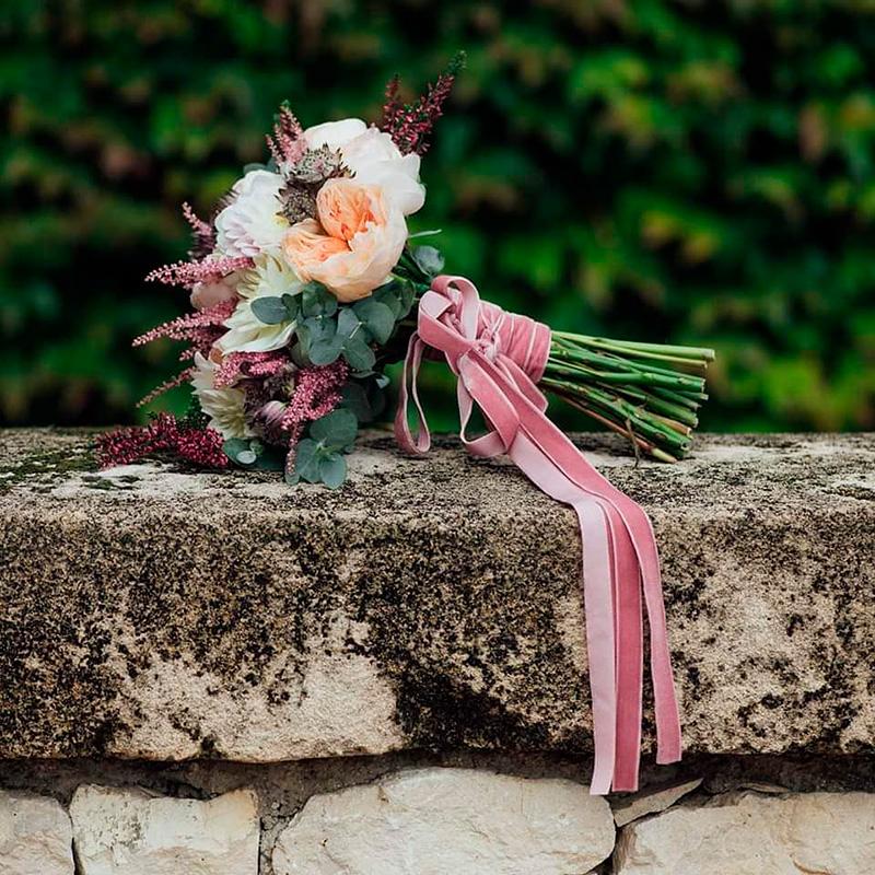 Ideas en la forma de atar tu ramo de novia 5
